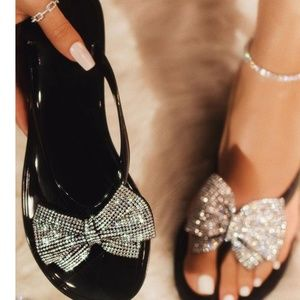 🎀  RHINESTONE BOWKNOT JELLY SANDALS 🎀